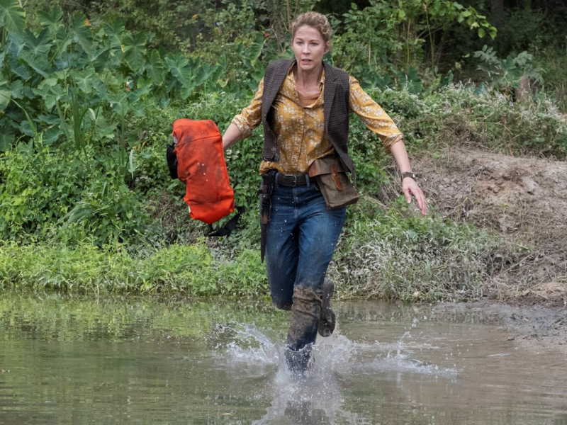 Jena-Elfman-June-Fear-TWD-6-B